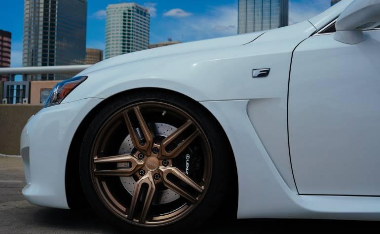 автомобилни гуми с джанта