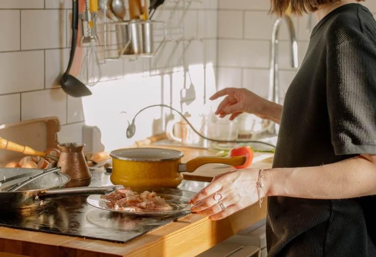 кухни по поръчка за малки помещение